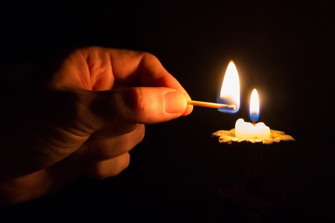 PAPER: Hydro-philic/-phobic layers from  candle soot. ろうそく「煤」の回収法を変えると親水性と疎水性膜が選択可